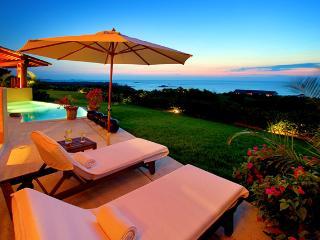 Stunning Villa above the Four Seasons Resort in Punta Mita, 180 degree views, Punta de Mita