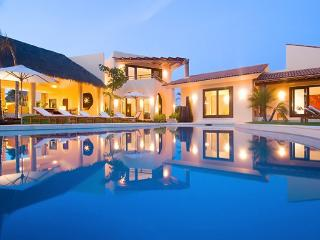 Villa Tierra - Ideal for Couples and Families, Beautiful Pool and Beach