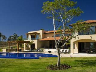 Exquisite 6 Bedroom Luxury Estate in Punta Mita, Punta de Mita