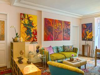 ****CHARMING ARTSY SPACIOUS 1BR APT - INVALIDES / EIFFEL TOUR