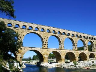"KOMSURUNILE  "" Corail"", Castillon-du-Gard"