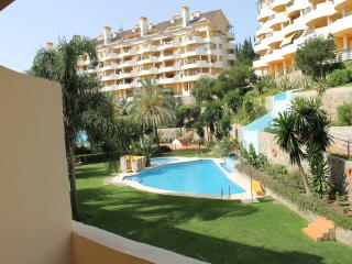 Puerto Banus Senorio de Aloha  apartment with WIFI, Puerto Jose Banus