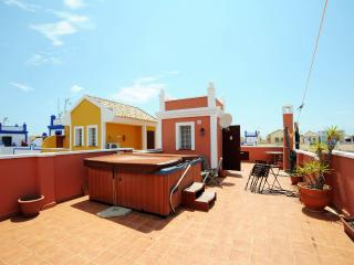 3 Bedroom Villa Sleeps Six Overlooking Swimming Pool, Región de Murcia