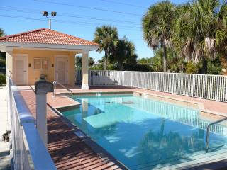 Fully stocked S Ft Myers Condo Winter Sale