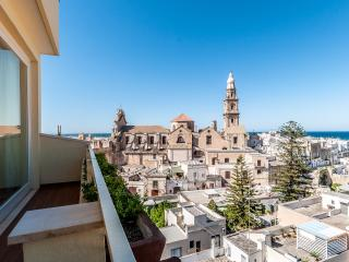 Cielo e Mare: Luxurious and Authentic Holiday Apt, Monopoli