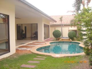 AvG 2- 2 bedroom house with pool at Pratumnak, Pattaya
