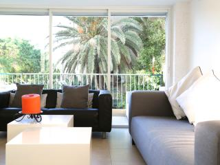 Adam Hacohen 6 - Luxurious 2 BR with balcony, Tel Aviv