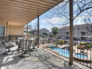 WINDROW RETREAT! 3BDR/2BTH On the Guadalupe River!