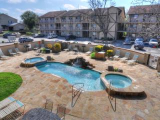 Waterwheel Condo! On the Guadalupe River!, New Braunfels