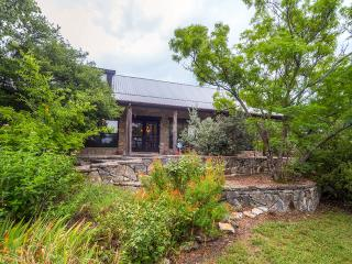2BR + Loft Glen Rose Home Resting on 12 Secluded Acres - Near Fossil Rim Wildlife Park