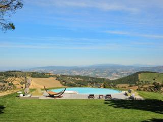 Villa Vibio, Sleeps 11, Monte Castello di Vibio