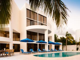 Blue Diamond, Sleeps 10, Anguilla