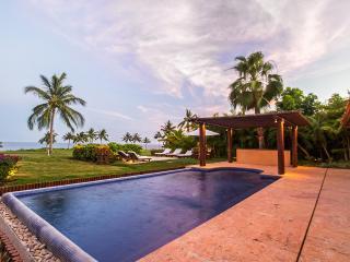 Villa Sol, Sleeps 10, Punta de Mita