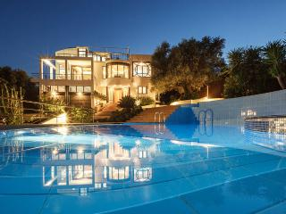 Villa Joy, Sleeps 10, Chania