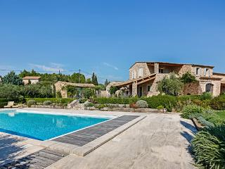 Fontcaudette, Sleeps 12, Gordes