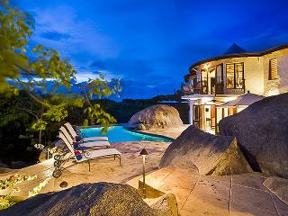 On The Rocks - Ideal for Couples and Families, Beautiful Pool and Beach