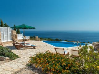 Crystal, Sleeps 8, Agios Nikolaos