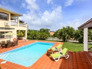 Villa Decaj, Sleeps 10, Cap Estate