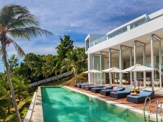Villa Beige, Sleeps 8, Taling Ngam