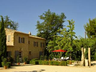 Source Cachee, Sleeps 8, St-Rémy-de-Provence