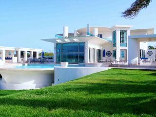 Modena Villa, Sleeps 10, Anguilla