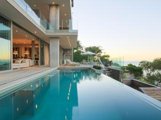 Bantry House, Sleeps 10, Bantry Bay