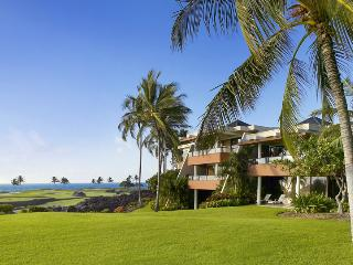 Mauna Lani Point Fairway and Ocean View, Sleeps 4, Waikoloa