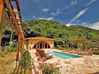Villa Diecinueve, Sleeps 10, Area de Conservacion Guanacaste