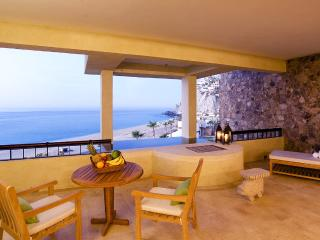 Three Bedroom Ocean View Suite, Sleeps 6, Cabo San Lucas