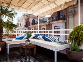 Chic Penthouse GranVia/Chueca with terrace 2 BD, Madri
