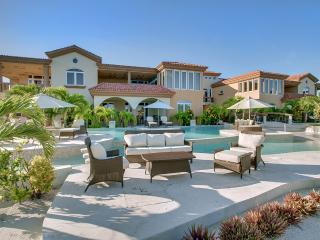 Villa Del Mar, Sleeps 8, Cayo Ambergris