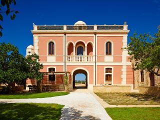 Villa Pizzorusso, Sleeps 12, Mesagne