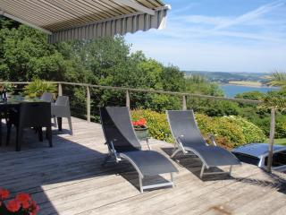 Kara - with views of the sea 20% ferry discount, Crozon