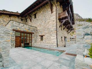 Chalet Toit du Monde, Sleeps 8, Val d'Isère