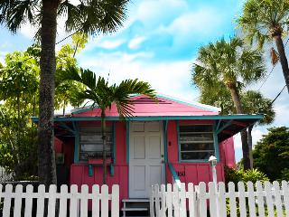 Pink Mango Patio Cottage, Siesta Key