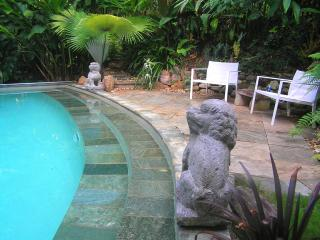 Tabu Bed and Breakfast. Cairns Bed and Breakfast
