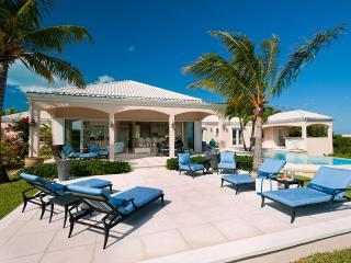 SeaBreeze Villa, Sleeps 8, Leeward