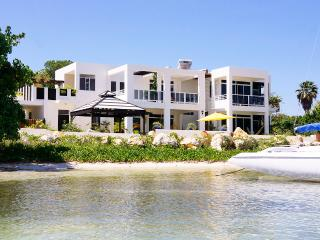 Monicove, Sleeps 7, Savanna La Mar