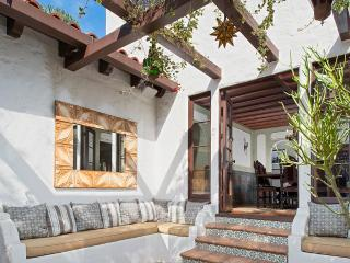 Spanish Retreat Redondo Beach, Sleeps 4