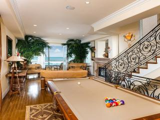 Huntington Beach Oceanfront, Sleeps 6