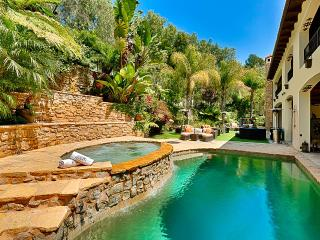Beverly Hills Luxury, Sleeps 15