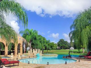 Villa Shangri-La, Sleeps 12, La Romana
