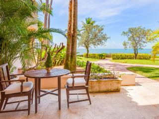 15212  - 1BR OceanFront at Seaside Villas, Sleeps 3, Miami Beach