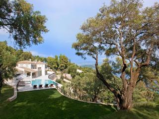 Villa Ferretti, Sleeps 12, Agios Stefanos