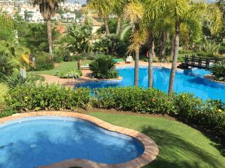 Luxury 3 Bedroom Apartment, El Campanario Complex, Estepona