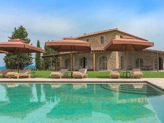 Villa Oddi, Sleeps 12, Montalcino