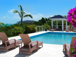 Villa White Sands, Sleeps 10, Providenciales