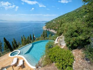 Villa Gatti, Sleeps 8, Kassiopi
