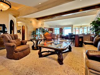 Luxurious Tuscan Fantasy with Ocean View!!, La Jolla