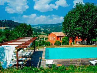 Villa Bordeaux, Sleeps 12, Perugia
